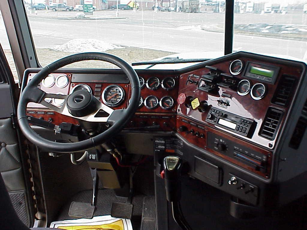 Freightliner Dash Panels Rosewood Set Of 7 Red Ram