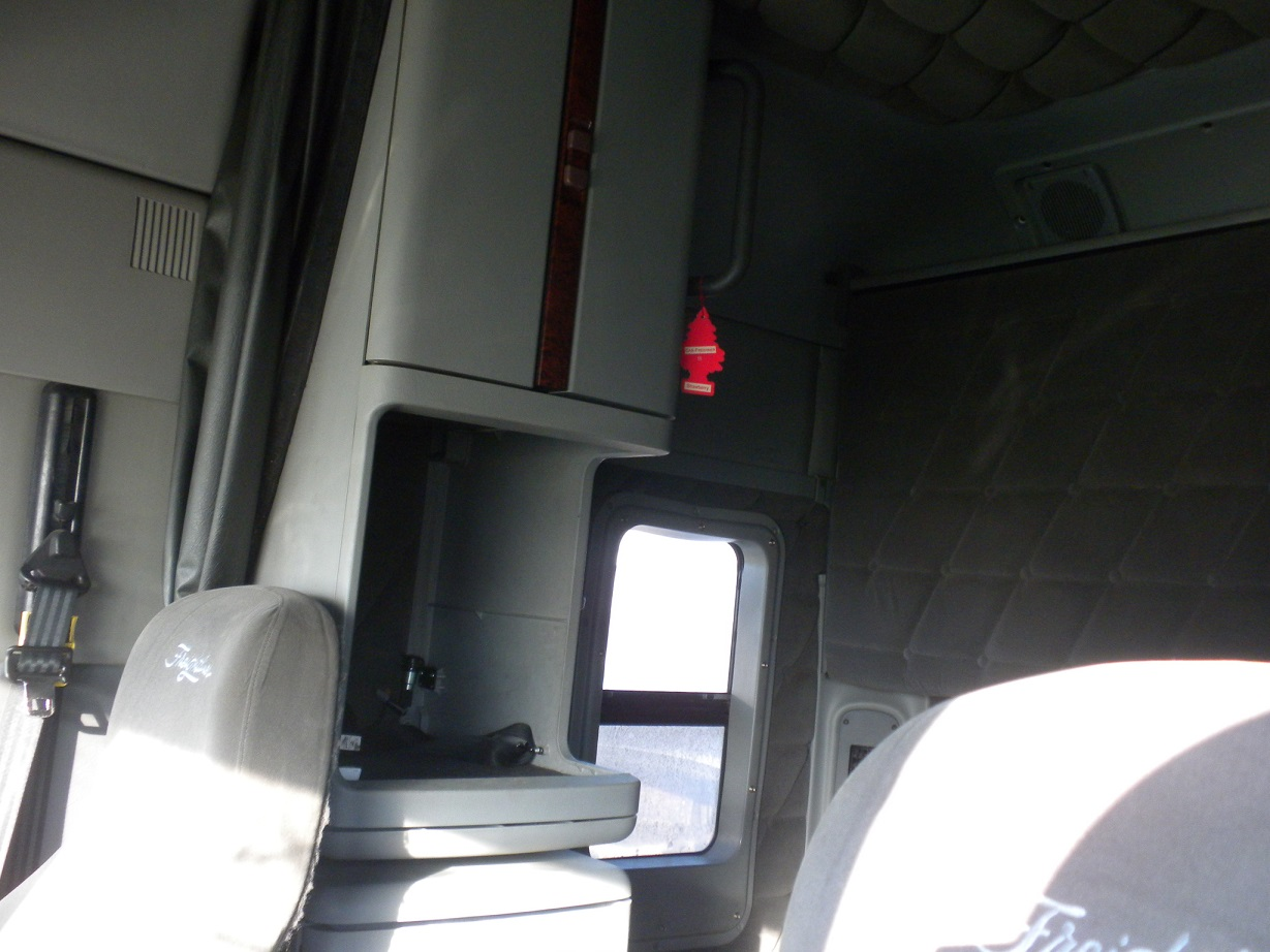 2007 freightliner columbia red ram sales ltd edmonton - 2007 freightliner columbia interior ...