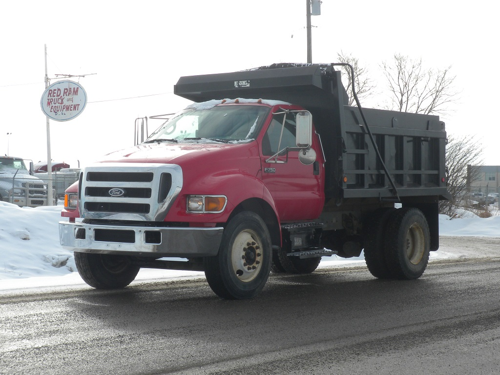 2006 Ford F750 Super Duty – Gravel Truck