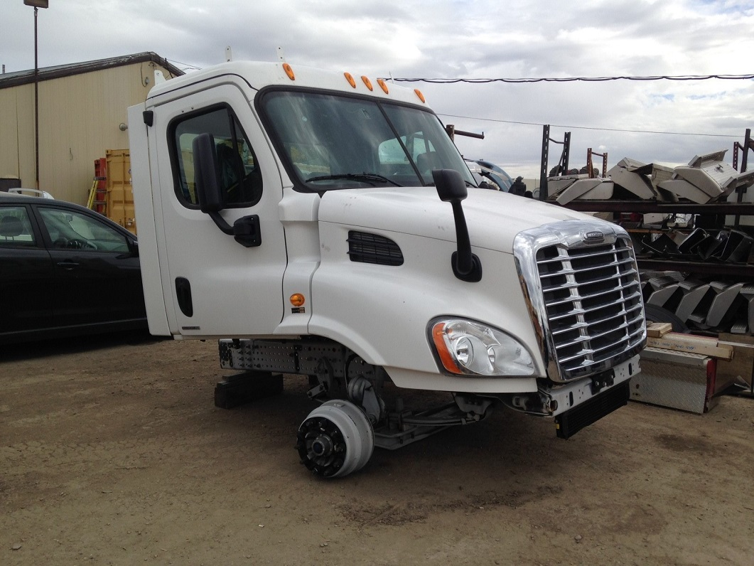 Freightliner Cascadia Day Cab Single Axle