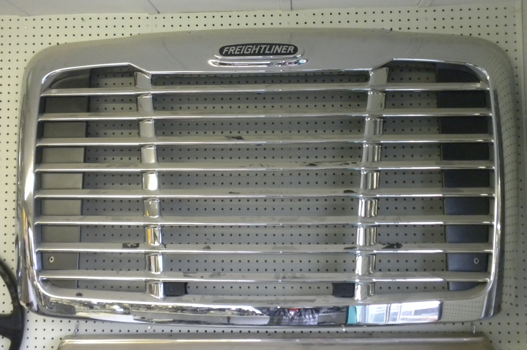 NEW OEM Freightliner Cascadia Grill Assemblies   Red Ram ...